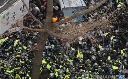 경찰의 불법 노조탄압, 대통령은 사과하라
