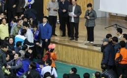 박근혜 대통령은 대통령으로서의 역할과 책임을 회피하지 말라